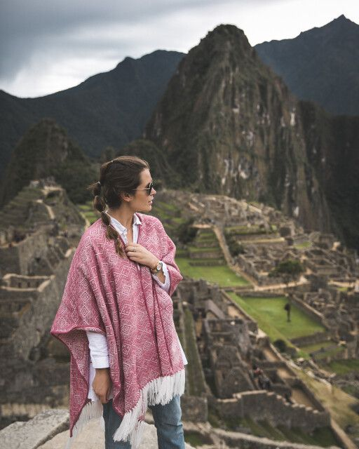 Bloggerin Sarah Eichhorn von 'josieloves' vor dem Machu Picchu