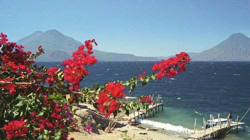 Lake de Atitlán, Guatemala © Diamir