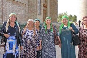 Taschkent - Begegnung an der Barak Khan Moschee