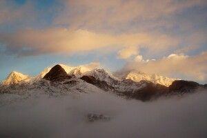 Mystisches Bergpanorama