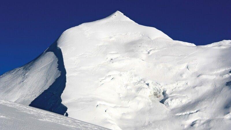 Die majestätische Gipfelspitze des Himlung. © Diamir