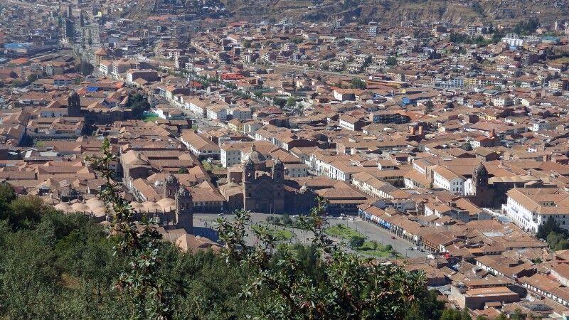 Blick von Sacsayhuaman auf Cusco © Diamir