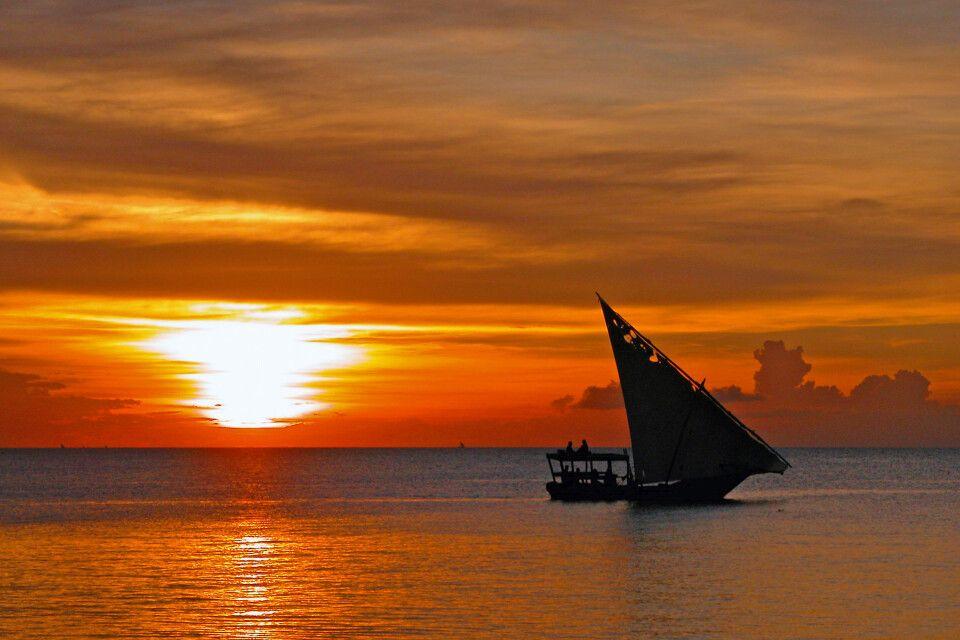 Sonnenuntergang an Sansibars Küste