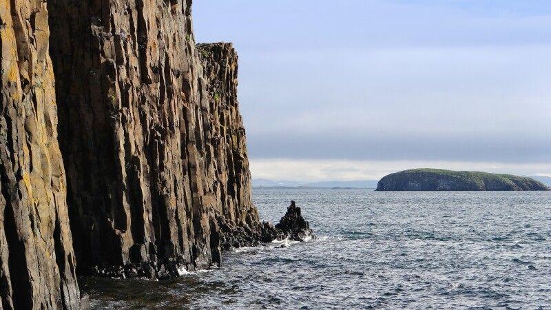 Basaltklippen bei Stykkisholmur © Diamir