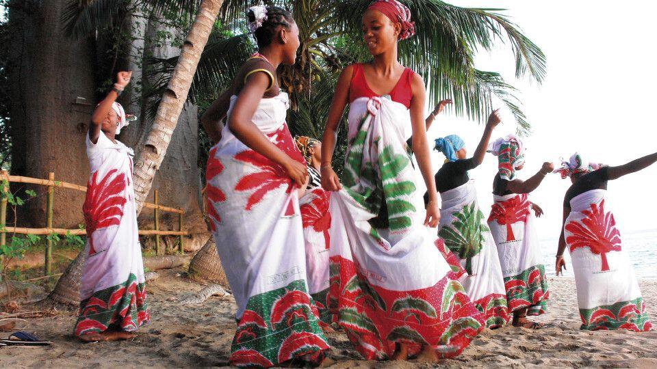 Frauen tanzend