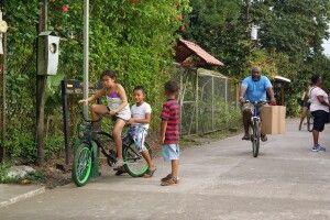 Im Dorf Tortuguero