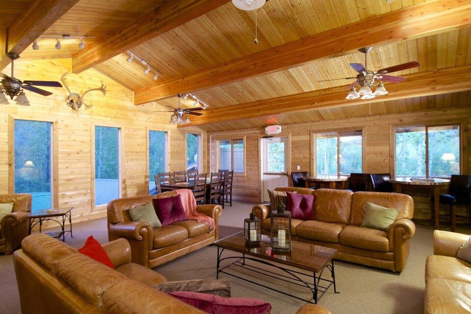 Aufenthaltsraum in der Denali Backcountry Lodge