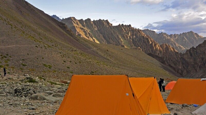 Trek zum Stok Kangri, Camp Mankarmo (4400 m) © Diamir