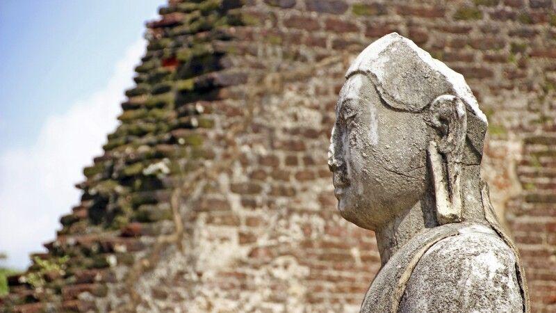 Buddha in Polonnaruwa © Diamir