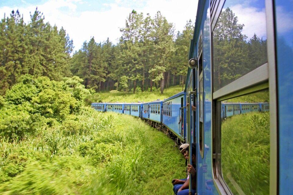 Zugfahrt nach Nuwara Eliya