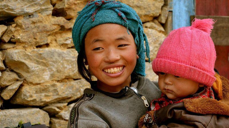 Geschwister im Khumbu-Tal © Diamir