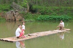 Gemütlichen Fahrt mit dem Bambusfloß in Mai Hich