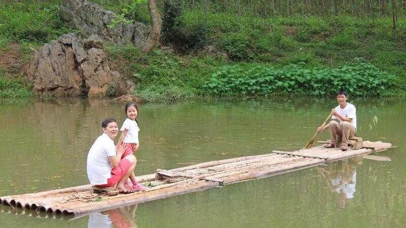 Gemütlichen Fahrt mit dem Bambusfloß in Mai Hich © Diamir