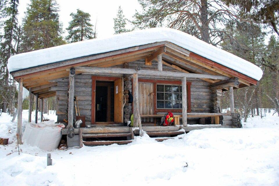 Gemütliche Wildnishütten inmitten der Wildnis Lapplands