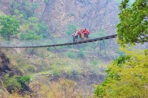 Hängebrücke bei Tatopani
