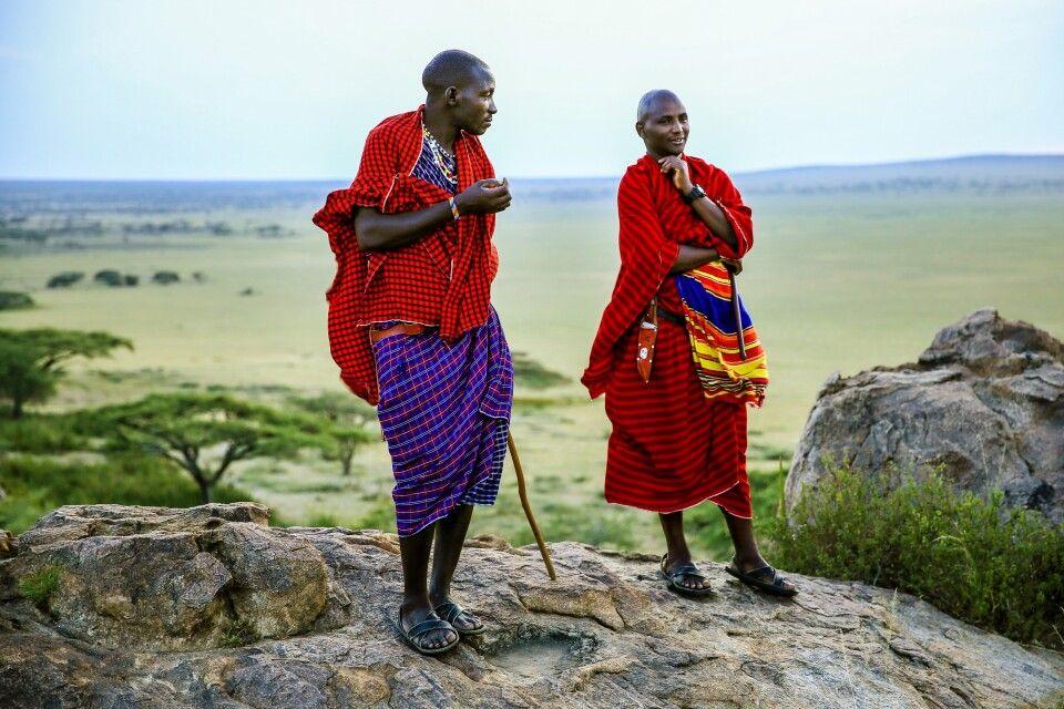 Massai schauen in die Weite