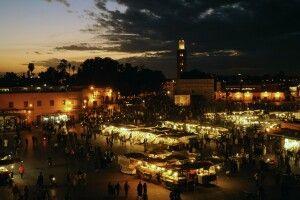Abendstimmung auf Djemaa el-Fna, Marrakesch, Marokko