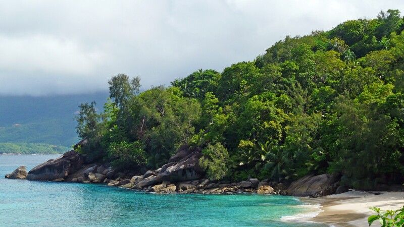 Die verschiedene Strände und Buchten auf der Insel Mahe © Diamir