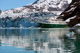 Die Wilderness Explorer direkt am Gletscher