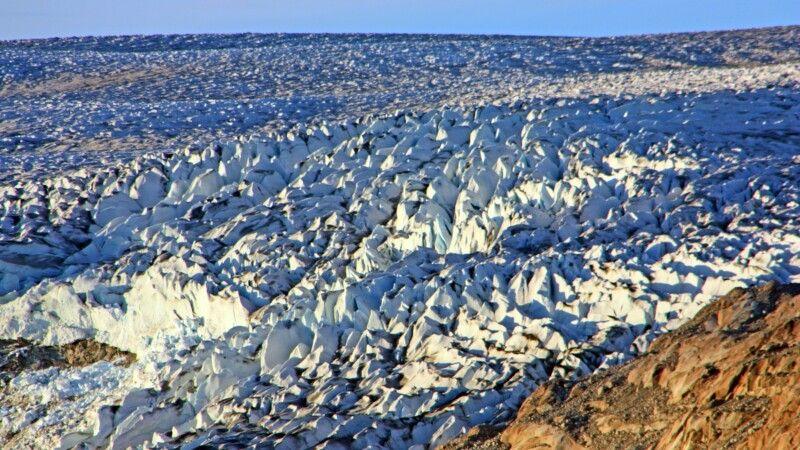 Gletscherzunge im Abendlicht © Diamir