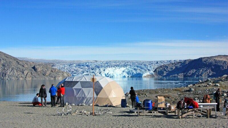 Gletschercamp mit Blick aufs Inlandeis © Diamir