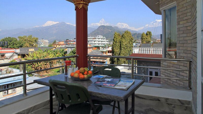 Ausblick vom Balkon im Hotel Milarepa © Diamir