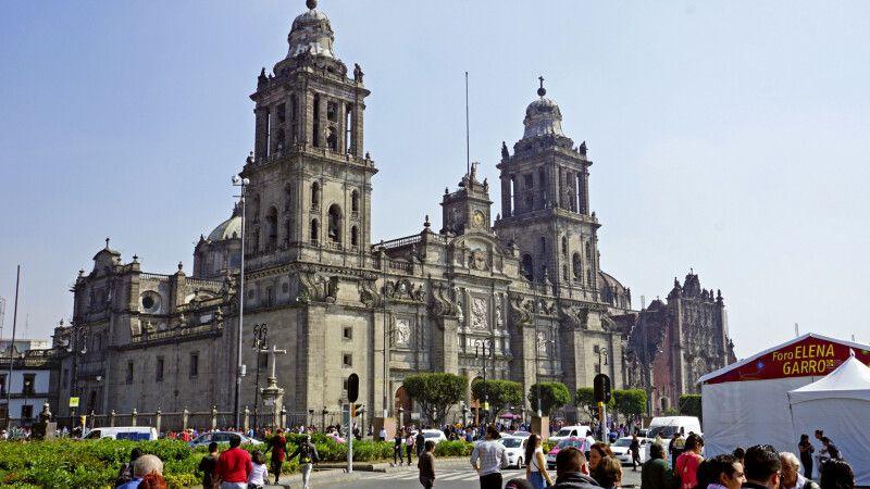 Kathedrale von Mexico City – die älteste Kathedrale Amerikas © Diamir