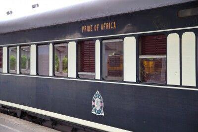 Der Zug steht im Tazara-Bahnhof bereit