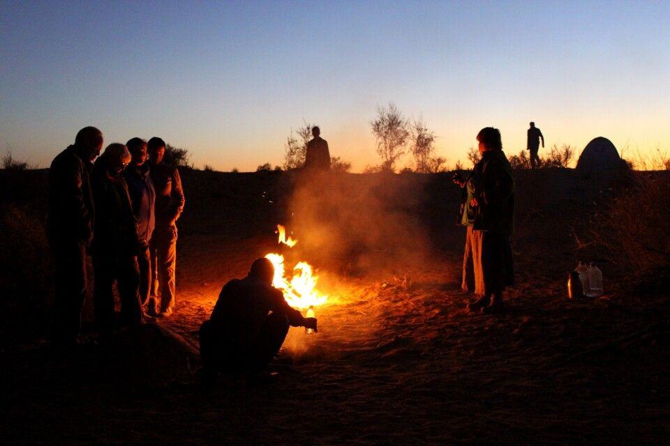 Lagerfeuer in der Wüste
