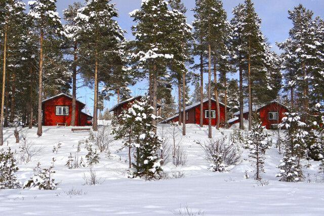 Die idyllischen Hütten in der Morgensonne