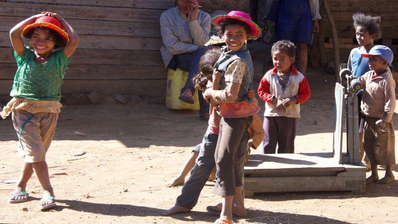 Fröhliche Kinder © Diamir