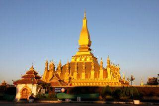 Wat That Luang - das Nationalheiligtum des Landes im Abendlicht