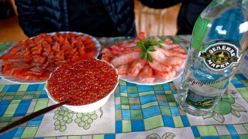 Lachs, Kavier und Wodka © Diamir