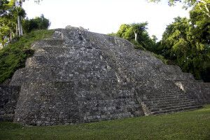 Maya-Ruine von Yaxha