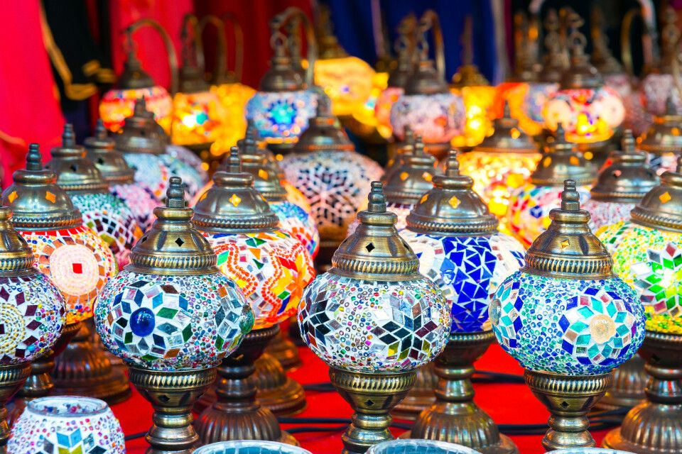 wunderschöne orientalische Öllampen