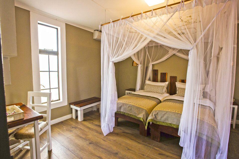 Kalahari Anib Lodge, Zimmerbeispiel Standard Bungalow
