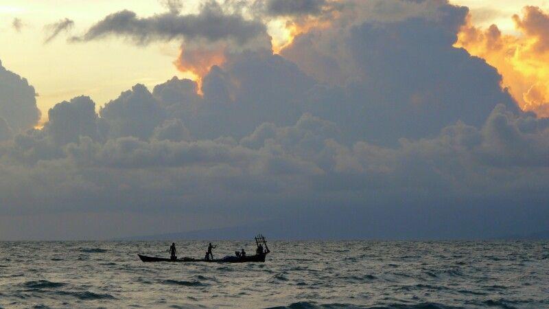 Sonnenuntergang am Meer in Kambodscha © Diamir