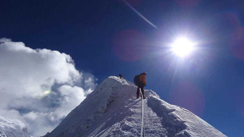 Gipfelbesteigung Island Peak (6189 m) © Diamir