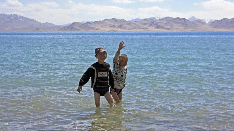 Kinder am Kara-Kul © Diamir
