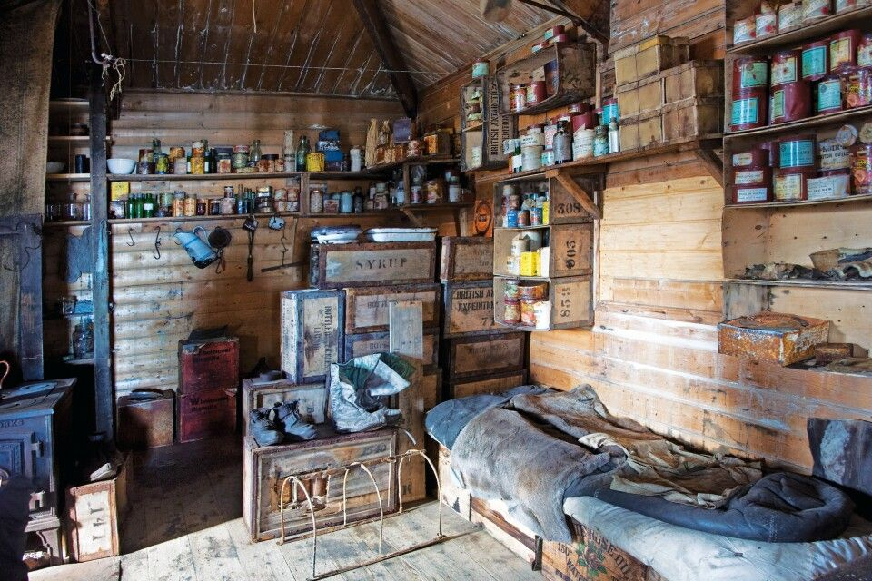 Blick in Shakletons Hütte