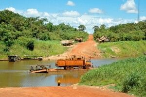Fähre über den Amazonas